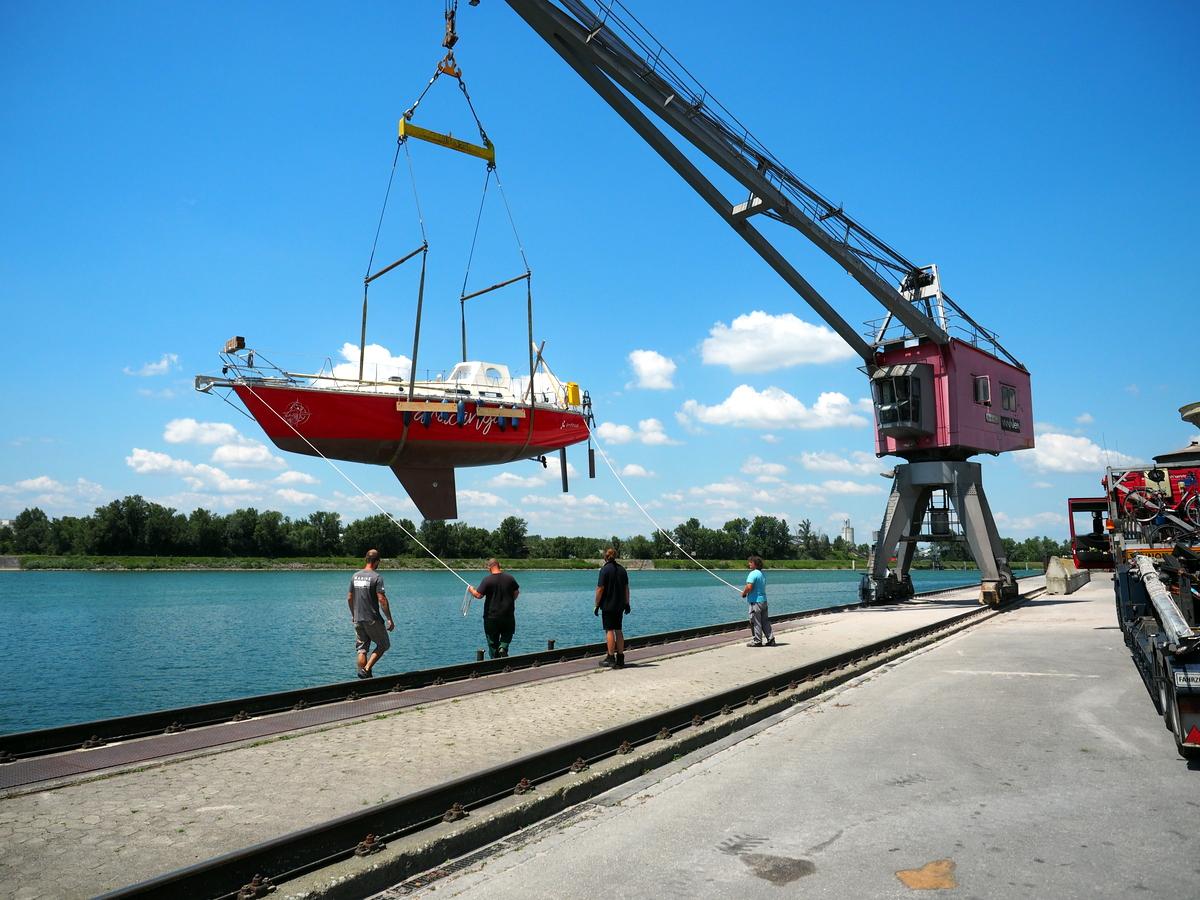 Mit dem LKW an den Rhein