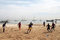 Der Ankerplatz von Dakar auf der Südseite der Halbinsel