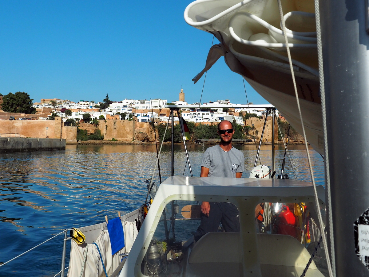 Die Einfahrt nach Rabat auf dem Fluss Bouregreg