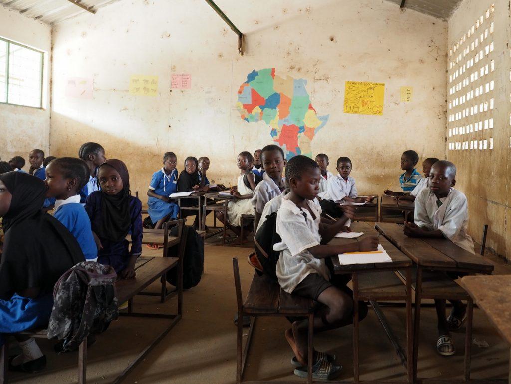 Schulklasse in Bombale