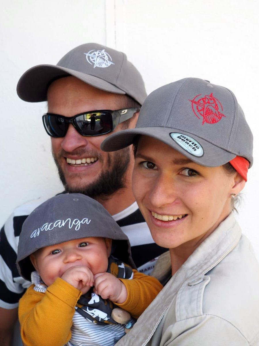 martin, Riki und Kira mit aracanga-Caps