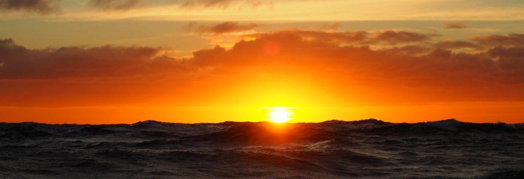 SOnnenuntergang mit Wellen