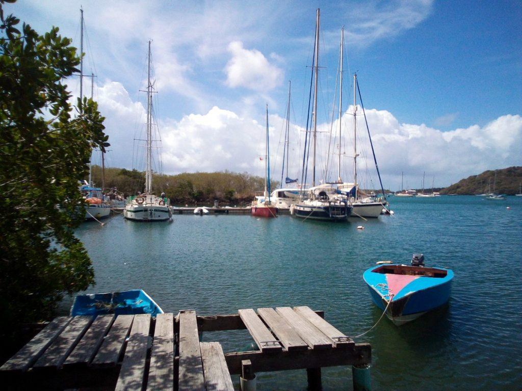 Die Whisper Cove Marina